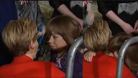 Jennifer Lawrence przytula zapłakaną fankę