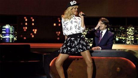 Rihanna śpiewa nowy singiel