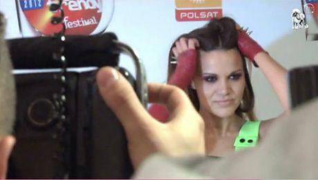 Gawęda pozuje fotoreporterom
