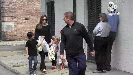 Angelina z dziećmi w Nowym Orleanie