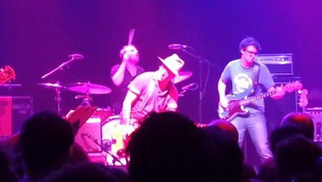 Johnny Depp coveruje zespół heavymetalowy