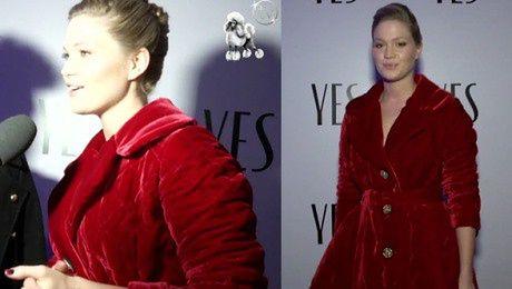 Ślotała w czerwonym kostiumie
