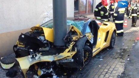 Rozbił Lamborghini za 600 TYSIĘCY