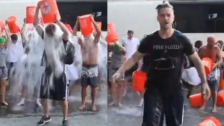 Justin Timberlake też oblewa się wodą z WIADRA