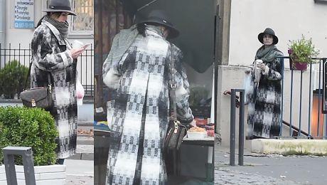 Modna Kołakowska wybiera maliny na bazarku WIDEO