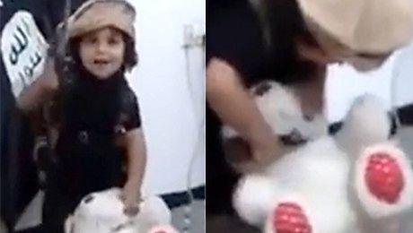 Dziecko wykonuje egzekucję na misiu Odcina mu głowę