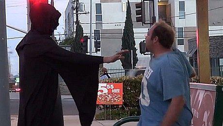 Straszyli ludzi dotykiem dementora