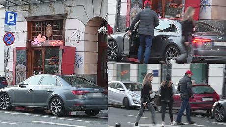 Tomasz Lis też parkuje na zakazie WIDEO