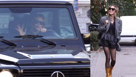 Sablewska z dzióbkiem macha do paparazzi z Mercedesa