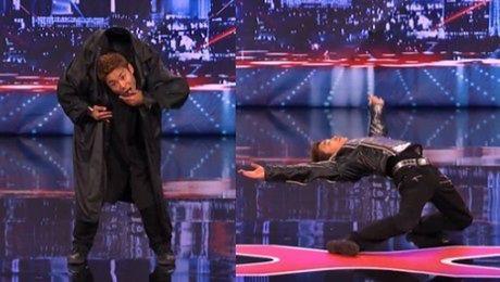 Niesamowity tancerz w Mam Talent ROBOT Z MATRIXA