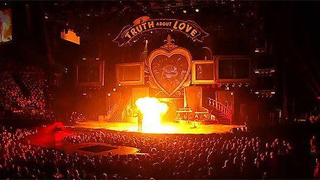 Zwiastun DVD z trasy Pink