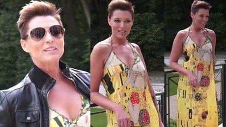 Felicjańska w oryginalnej sukni pozuje do zdjęć