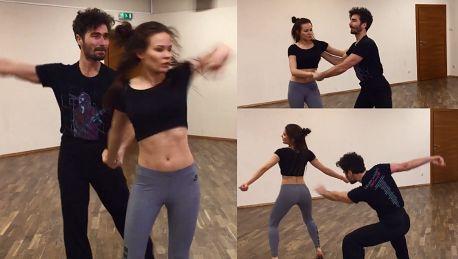 Wysportowana Natalia Szroeder tańczy sambę