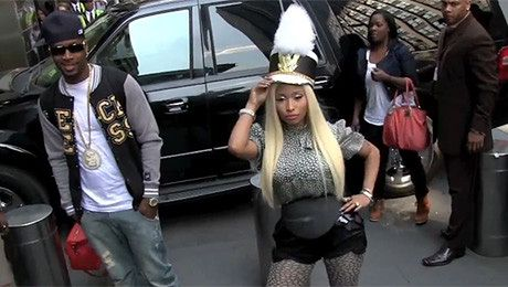 Nicki Minaj pozuje paparazzi