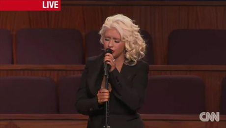 Aguilera śpiewa na pogrzebie Etty James