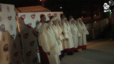 Jarzębiny śpiewają hymn Euro 2012