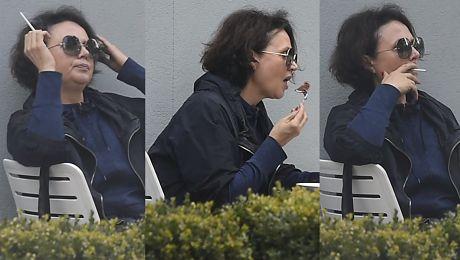 Pieńkowska delektuje się figą i papierosem na obiedzie z córką