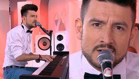 Michał Kwiatkowski śpiewa po francusku w TVN ie