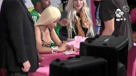 Szaleństwo na spotkaniu Nicki Minaj z fanami