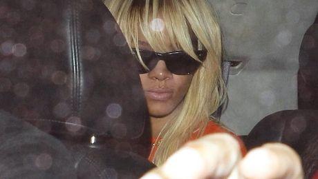 Rihanna pofarbowała się na blond