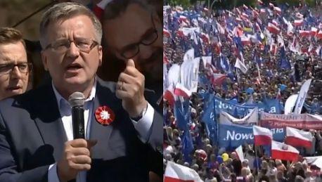 Komorowski na marszu KOD u Przyszliśmy tutaj dlatego że w Polsce jest źle Oni są razem bo dzielą pieniądze
