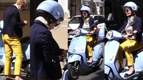 Racewicz wraca skuterem z zakupów WIDEO