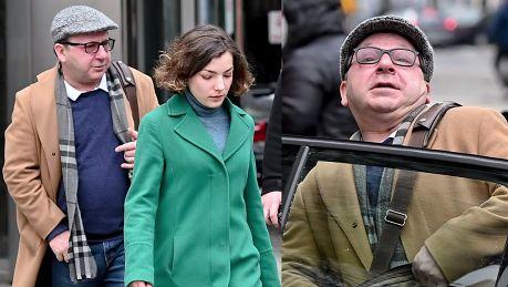 Bronia Zamachowska ucieka do taksówki przed paparazzi