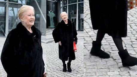 Beata Tyszkiewicz w butach EMU wychodzi z TVP