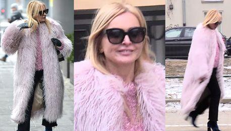 Monika Olejnik w różowym futrze w Dzień Dobry TVN