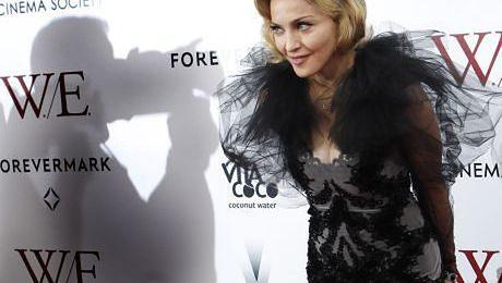 Paparazzi WRZESZCZĄ na Madonnę