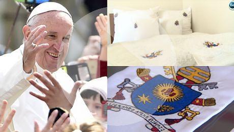 Trwają przygotowania na przyjazd papieża Pościel jest specjalnie robiona Była już nawet prana bo wszyscy jej dotykają