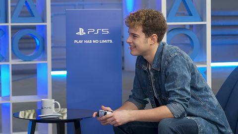 Studio PlayStation 5: Adam Zdrójkowski sprawdza w akcji kontroler DualSense