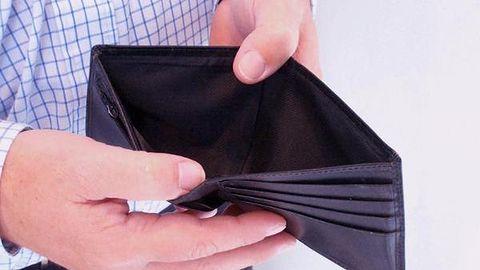 Do wypłaty jeszcze tydzień, a ja już mam debet. Znajdźmy winnych [BLOG]
