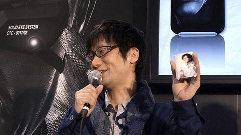Kojima ma awans, Kojima ma iPhona ze sobą