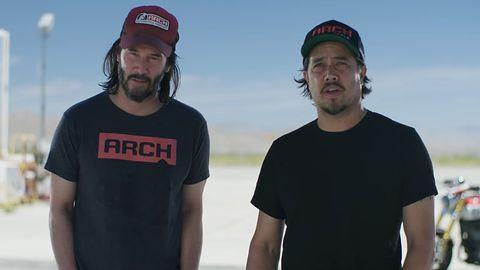 Cyberpunk 2077. Wyścigi uliczne, Porsche i Keanu Reeves na motocyklu