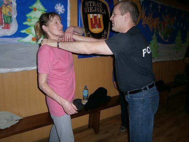 Czesław Tkacz jest organizatorem kursów samoobrony dla kobiet