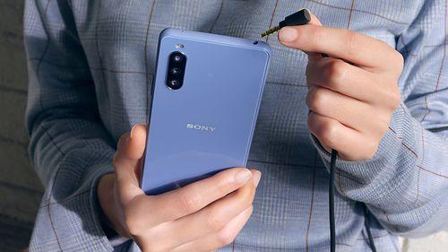 Kompaktowa i wyróżniająca się z tłumu. Sony Xperia 10 III pojawiła się w Polsce
