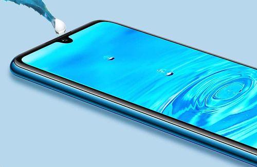 """Huawei P30 lite oficjalnie. Flagowiec giganta w """"budżetowej"""" wersji"""