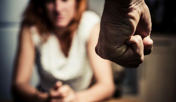 Dlaczego mężczyźni biją? 'Nie umieją inaczej. Na terapii wyglądają, jakby się uczyli chodzić'