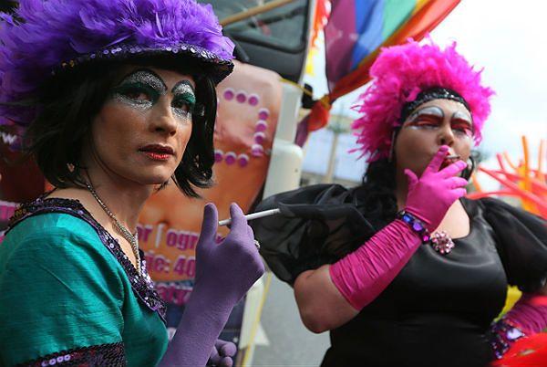 Zdjęcia ogromnych gejów kogutów
