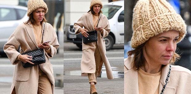 Naburmuszona Anna Wendzikowska snuje się po ulicy z torebką Chanel za 20 tysięcy złotych. Do twarzy jej bez makijażu? (ZDJĘCIA)