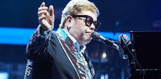 """Elton John STRACIŁ GŁOS podczas koncertu! """"Nie mogę śpiewać. Przepraszam"""""""