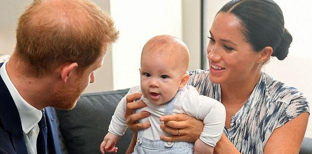Sekret Meghan i Harry'ego wychodzi na jaw. Wiemy, kim są rodzice chrzestni Archiego!