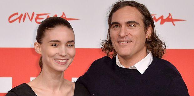 Rooney Mara i Joaquin Phoenix ZOSTALI RODZICAMI! Znamy płeć i imię dziecka