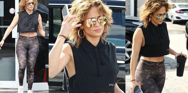 Naburmuszona Jennifer Lopez chwali się NOWĄ FRYZURĄ i spersonalizowanym kubkiem (FOTO)