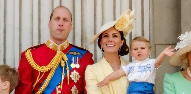Kate Middleton i Książę William podarowali fanowi NIEPUBLIKOWANE wcześniej zdjęcie księcia Louisa (FOTO)