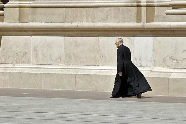 """Ksiądz z Białegostoku żąda od ateistów... pieniędzy na kościół! """"To obowiązek każdej rodziny"""""""