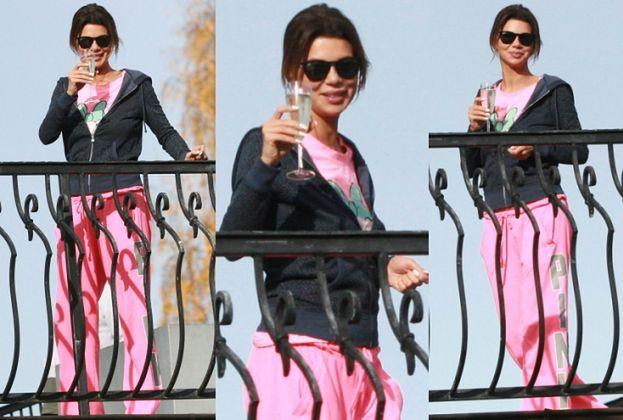 Edyta Górniak pije szampana w różowych dresach... (ZDJĘCIA)