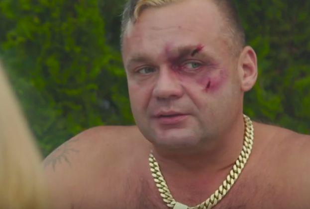 Basen i gołe tyłki w nowym teledysku Wiśniewskiego! - PUDELEK