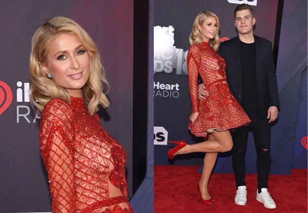 Zakochana Paris Hilton mizdrzy się z narzeczonym na czerwonym dywanie